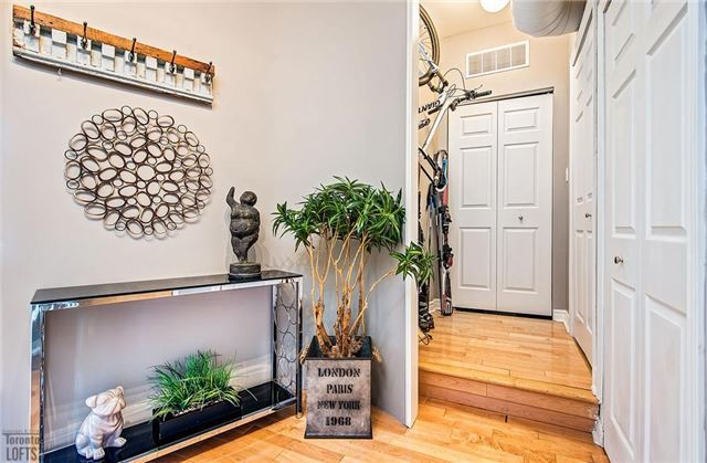 Photo 4: 394 Euclid Ave Unit #213 in Toronto: Palmerston-Little Italy Condo for sale (Toronto C01)  : MLS® # C3556339