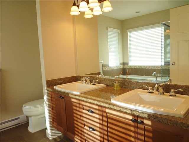 Photo 7: 3340 HIGHLAND DR in : Burke Mountain House for sale : MLS® # V882611