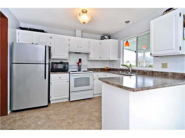 "Main Photo: 11944 MEADOWLARK Drive in Maple Ridge: Cottonwood MR House for sale in ""COTTONWOOD MR"" : MLS® # V997938"