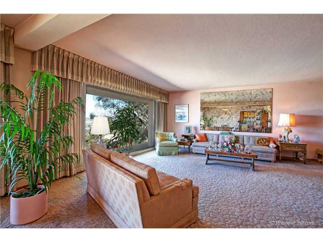 Main Photo: UNIVERSITY HEIGHTS House for sale : 4 bedrooms : 1862 Mission Cliff Drive in San Diego