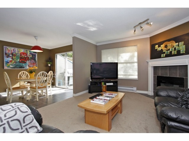 "Photo 5: 99 36060 OLD YALE Road in Abbotsford: Abbotsford East Townhouse for sale in ""MOUNTAIN VIEW VILLAGE"" : MLS(r) # F1309495"