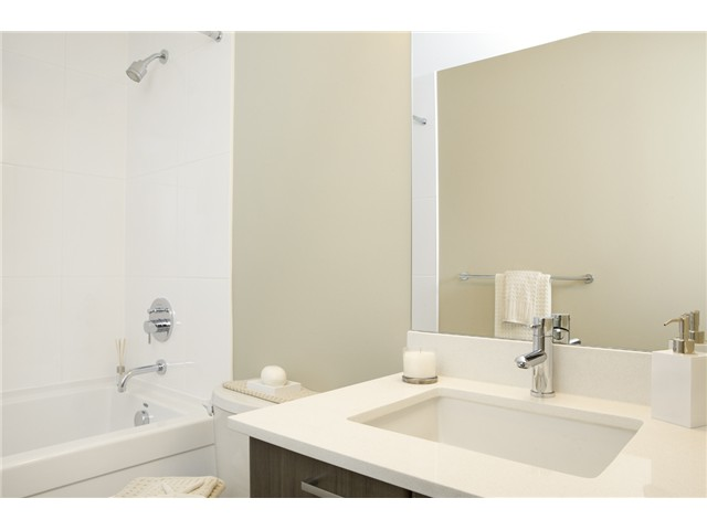 Photo 5: # 1201 2789 SHAUGHNESSY ST in Port Coquitlam: Central Pt Coquitlam Condo for sale : MLS® # V1033187