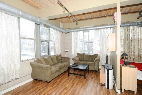 Photo 2: 2154 Dundas St W Unit #203 in Toronto: Roncesvalles Condo for sale (Toronto W01)  : MLS(r) # W2826596