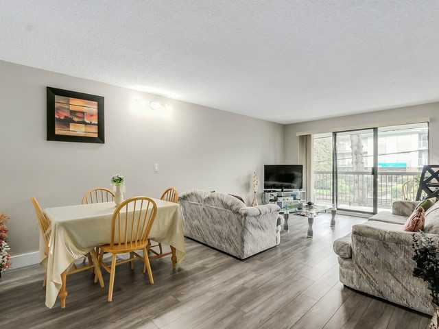 Photo 5: # 203 340 NINTH ST in New Westminster: Uptown NW Condo for sale : MLS(r) # V1113065