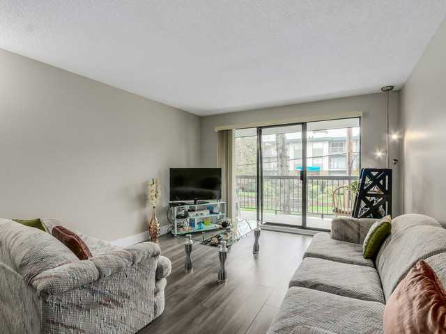 Photo 8: # 203 340 NINTH ST in New Westminster: Uptown NW Condo for sale : MLS(r) # V1113065