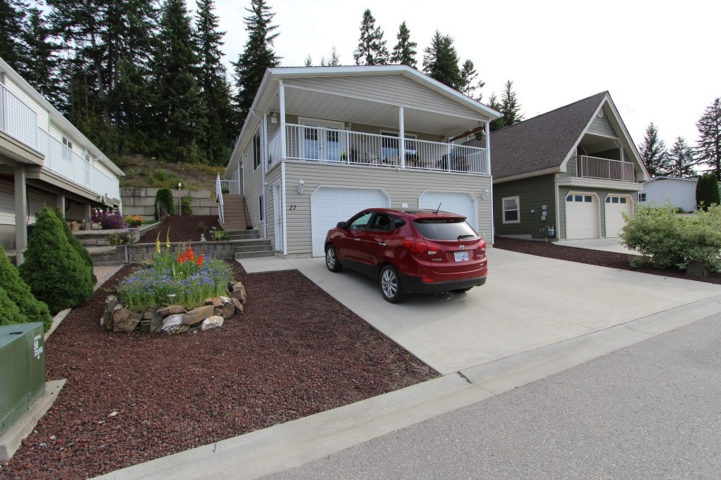 Main Photo: 27 900 SE 10th Avenue: Salmon Arm House for sale (Shuswap)  : MLS®# 10122002