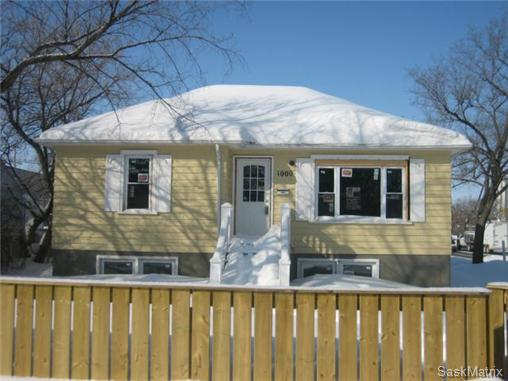 Main Photo: 1000 WASCANA Street in Regina: Washington Park Single Family Dwelling for sale (Regina Area 03)  : MLS(r) # 455457