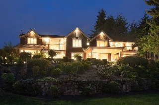 Main Photo: 750 King Georges Way in West Vancouver: House for sale : MLS(r) # V1086446