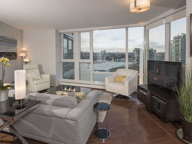 Main Photo: # 1905 1383 MARINASIDE CR in Vancouver: Yaletown Condo for sale (Vancouver West)  : MLS®# V1096746