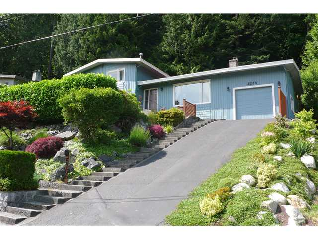 Main Photo: 5766 CRANLEY Drive in West Vancouver: Eagle Harbour House for sale : MLS® # V959444