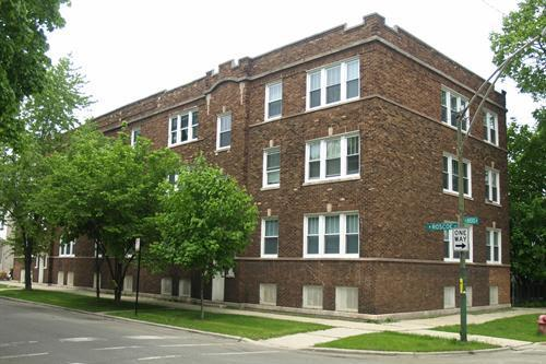 Main Photo: 3840 ROSCOE Street Unit 3 in CHICAGO: Avondale Rentals for rent ()  : MLS® # 08105206