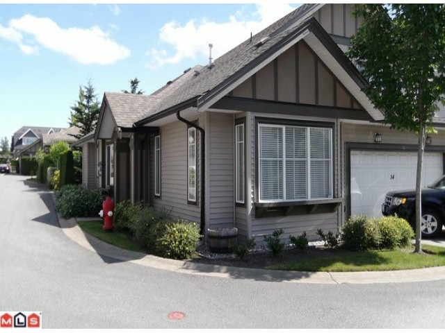 "Main Photo: 34 15868 85TH Avenue in Surrey: Fleetwood Tynehead Townhouse for sale in ""CHESTNUT GROVE"" : MLS® # F1217140"