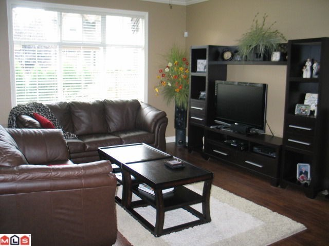 Photo 2: 13 6577 SOUTHDOWNE Place in Chilliwack: Sardis East Vedder Rd Townhouse for sale (Sardis)  : MLS® # H1300320