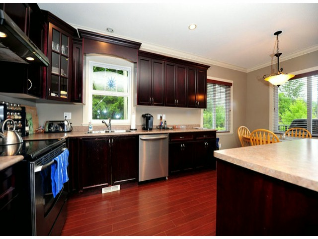 Photo 18: Photos: 8596 FAIRBANKS ST in Mission: Mission BC House for sale : MLS®# F1318181
