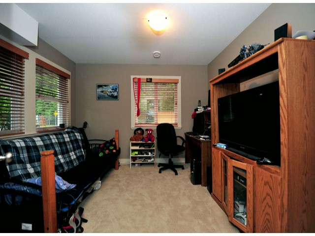 Photo 11: Photos: 8596 FAIRBANKS ST in Mission: Mission BC House for sale : MLS®# F1318181