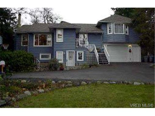 Main Photo: 1430 Simon Road in VICTORIA: SE Mt Doug Single Family Detached for sale (Saanich East)  : MLS(r) # 174553
