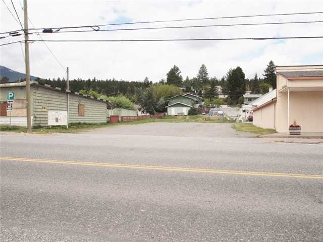 Main Photo: 1506 CARIBOO Highway in CLINTON: BCNREB Out of Area Commercial for sale : MLS® # N4506317