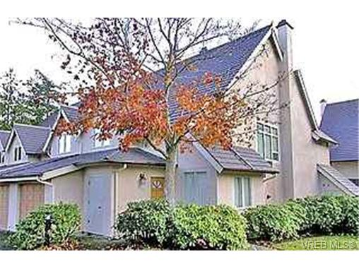 Main Photo: 130 210 Russell Street in VICTORIA: VW Victoria West Townhouse for sale (Victoria West)  : MLS® # 194672