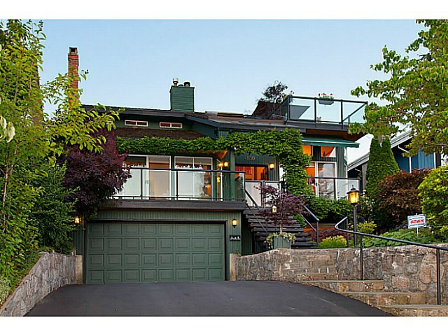 Main Photo: 4130 ST PAULS AV in North Vancouver: Upper Lonsdale House for sale : MLS®# V1037997