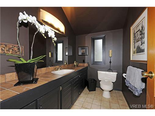 Photo 13: 4449 Sunnywood Place in VICTORIA: SE Broadmead Residential for sale (Saanich East)  : MLS® # 332321