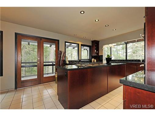Photo 8: 4449 Sunnywood Place in VICTORIA: SE Broadmead Residential for sale (Saanich East)  : MLS® # 332321