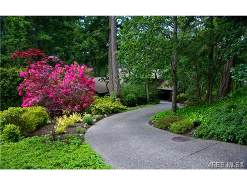 Photo 16: 4449 Sunnywood Place in VICTORIA: SE Broadmead Residential for sale (Saanich East)  : MLS® # 332321