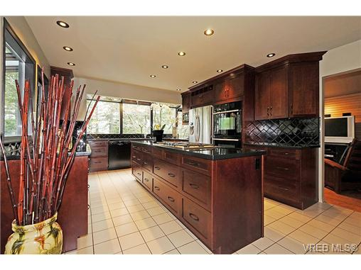 Photo 6: 4449 Sunnywood Place in VICTORIA: SE Broadmead Residential for sale (Saanich East)  : MLS® # 332321