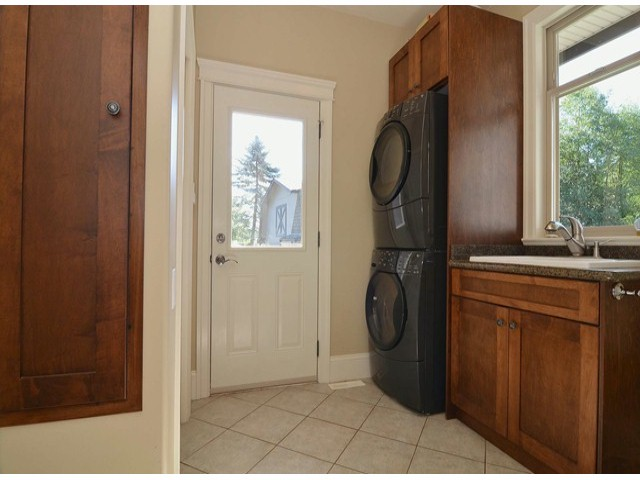 Photo 9: 21964 6TH AV in Langley: Campbell Valley House for sale : MLS® # F1417390