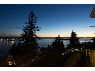 Main Photo: 3643 MARINE DR in West Vancouver: West Bay House for sale : MLS® # V1100961