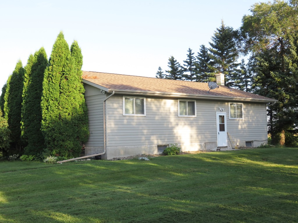 Main Photo: 65116 Edgewood Road in RM Springfield: Single Family Detached for sale : MLS® # 1622345