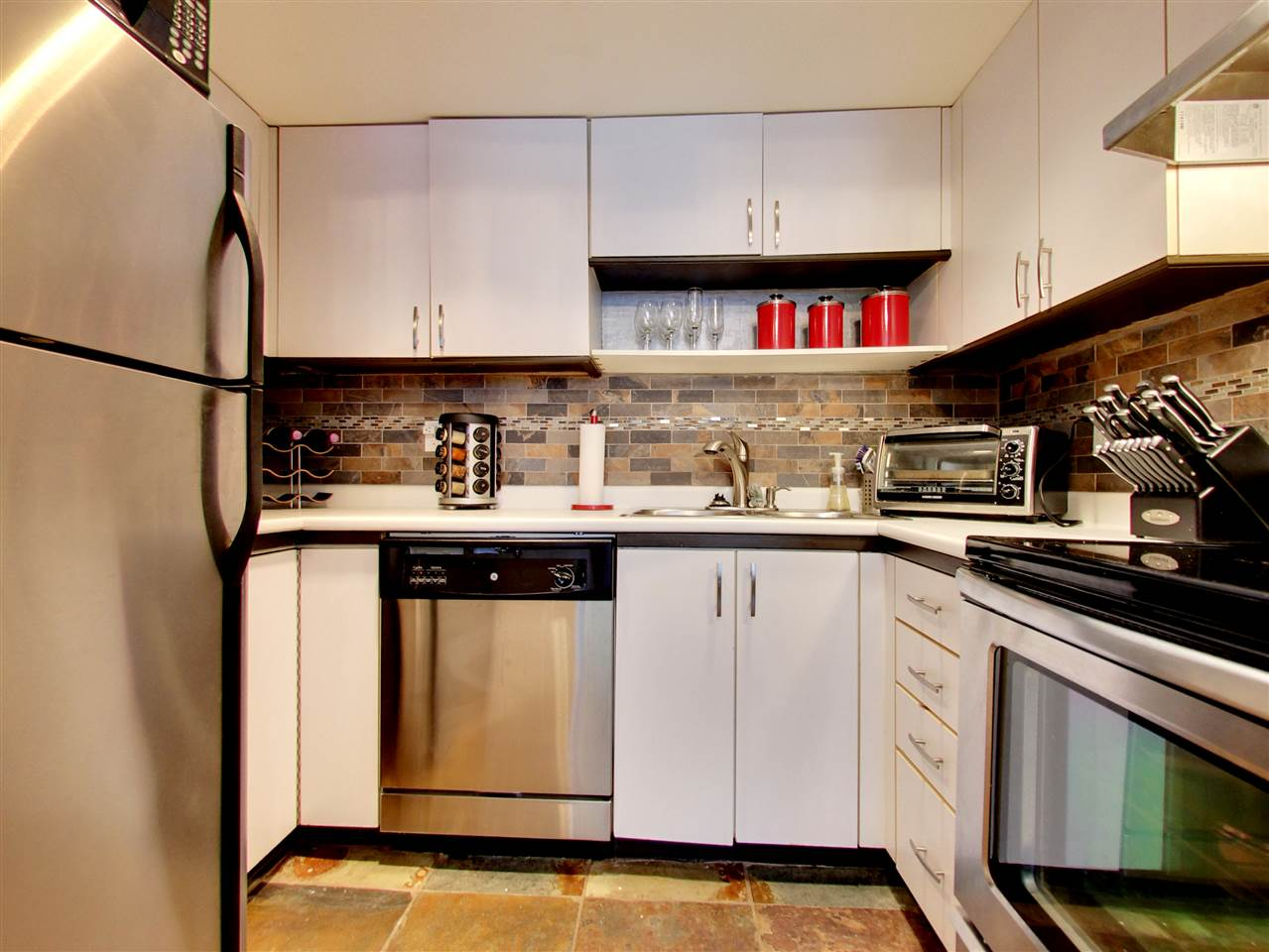 Photo 5: 2309 ALDER STREET in Vancouver: Fairview VW Condo for sale (Vancouver West)  : MLS(r) # R2115607