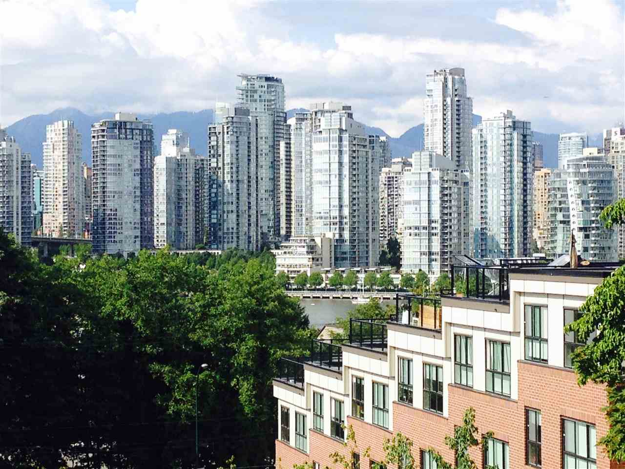 Photo 3: 2309 ALDER STREET in Vancouver: Fairview VW Condo for sale (Vancouver West)  : MLS(r) # R2115607