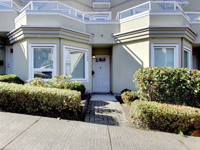 Photo 2: 2309 ALDER STREET in Vancouver: Fairview VW Condo for sale (Vancouver West)  : MLS(r) # R2115607