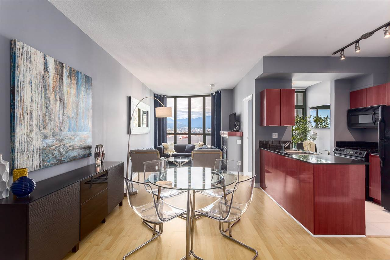 Main Photo: 3208 1239 W GEORGIA STREET in Vancouver: Coal Harbour Condo for sale (Vancouver West)  : MLS(r) # R2135855
