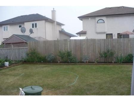 Photo 20: 10 STREWCHUK Bay in Winnipeg: Residential for sale (Canada)  : MLS® # 1115734