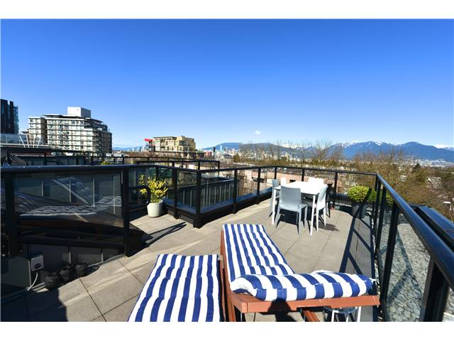 "Photo 9: 460 E 11TH Avenue in Vancouver: Mount Pleasant VE Townhouse for sale in ""THE BLOCK"" (Vancouver East)  : MLS(r) # V1000143"