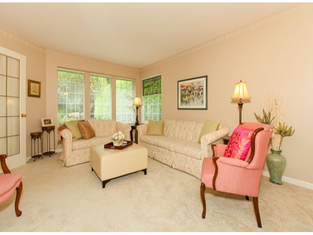 Photo 3: 1592 131ST ST in SURREY: Crescent Bch Ocean Pk. Condo for sale (South Surrey White Rock)  : MLS(r) # F1321820