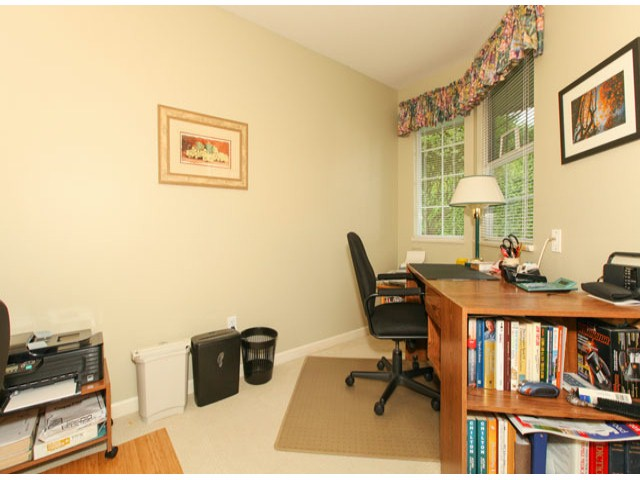 Photo 10: 1592 131ST ST in SURREY: Crescent Bch Ocean Pk. Condo for sale (South Surrey White Rock)  : MLS(r) # F1321820