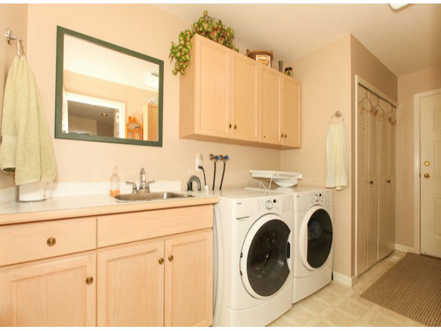Photo 12: 1592 131ST ST in SURREY: Crescent Bch Ocean Pk. Condo for sale (South Surrey White Rock)  : MLS(r) # F1321820
