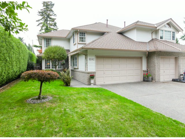 Main Photo: 1592 131ST ST in SURREY: Crescent Bch Ocean Pk. Condo for sale (South Surrey White Rock)  : MLS(r) # F1321820