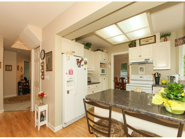 Photo 7: 1592 131ST ST in SURREY: Crescent Bch Ocean Pk. Condo for sale (South Surrey White Rock)  : MLS(r) # F1321820