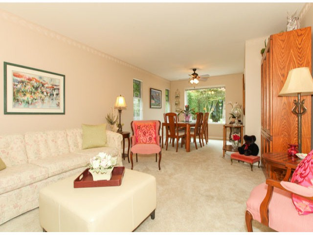 Photo 4: 1592 131ST ST in SURREY: Crescent Bch Ocean Pk. Condo for sale (South Surrey White Rock)  : MLS(r) # F1321820
