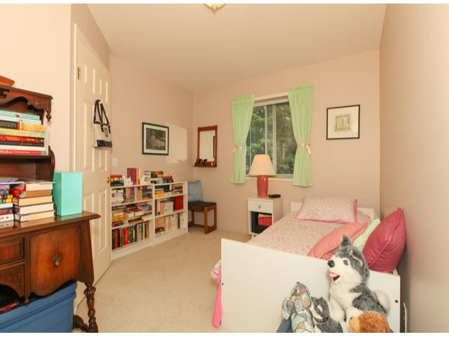 Photo 17: 1592 131ST ST in SURREY: Crescent Bch Ocean Pk. Condo for sale (South Surrey White Rock)  : MLS(r) # F1321820