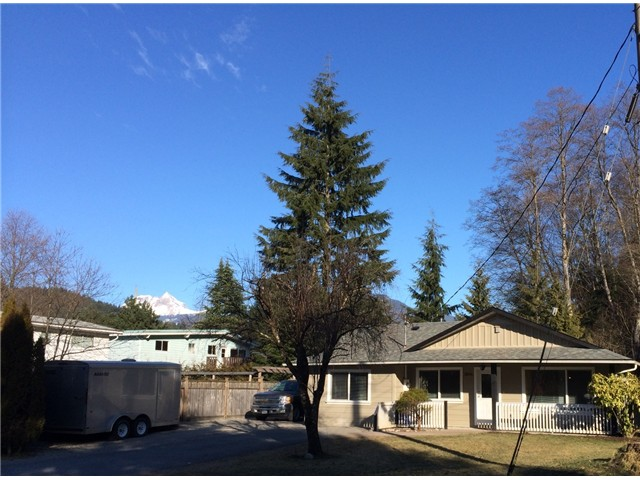 Main Photo: 38014 MAGNOLIA CR in Squamish: Valleycliffe House for sale : MLS® # V1047971
