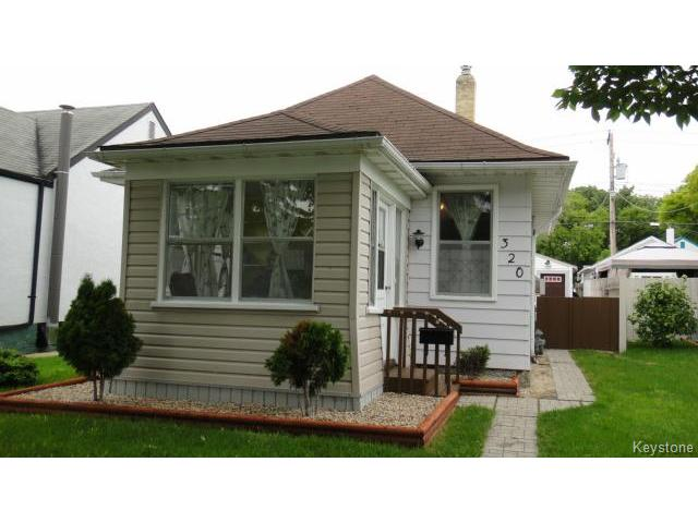 Main Photo: 320 Winterton Avenue in WINNIPEG: East Kildonan Residential for sale (North East Winnipeg)  : MLS® # 1415900