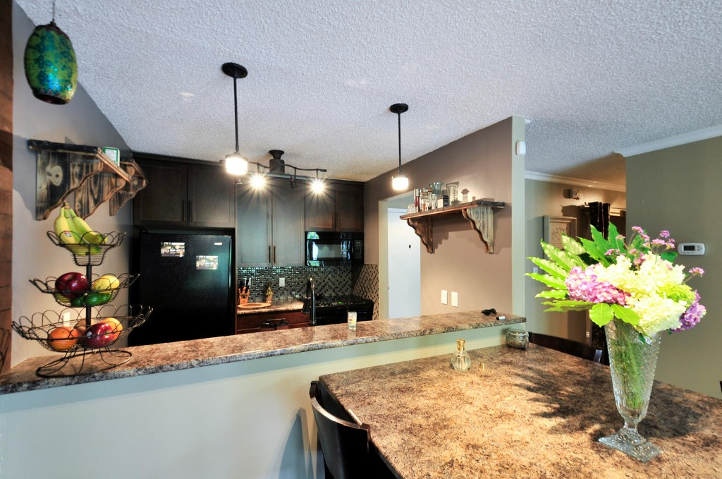 Photo 5: 115 7377 SALISBURY AVENUE in Burnaby: Highgate Condo for sale (Burnaby South)  : MLS® # R2082419