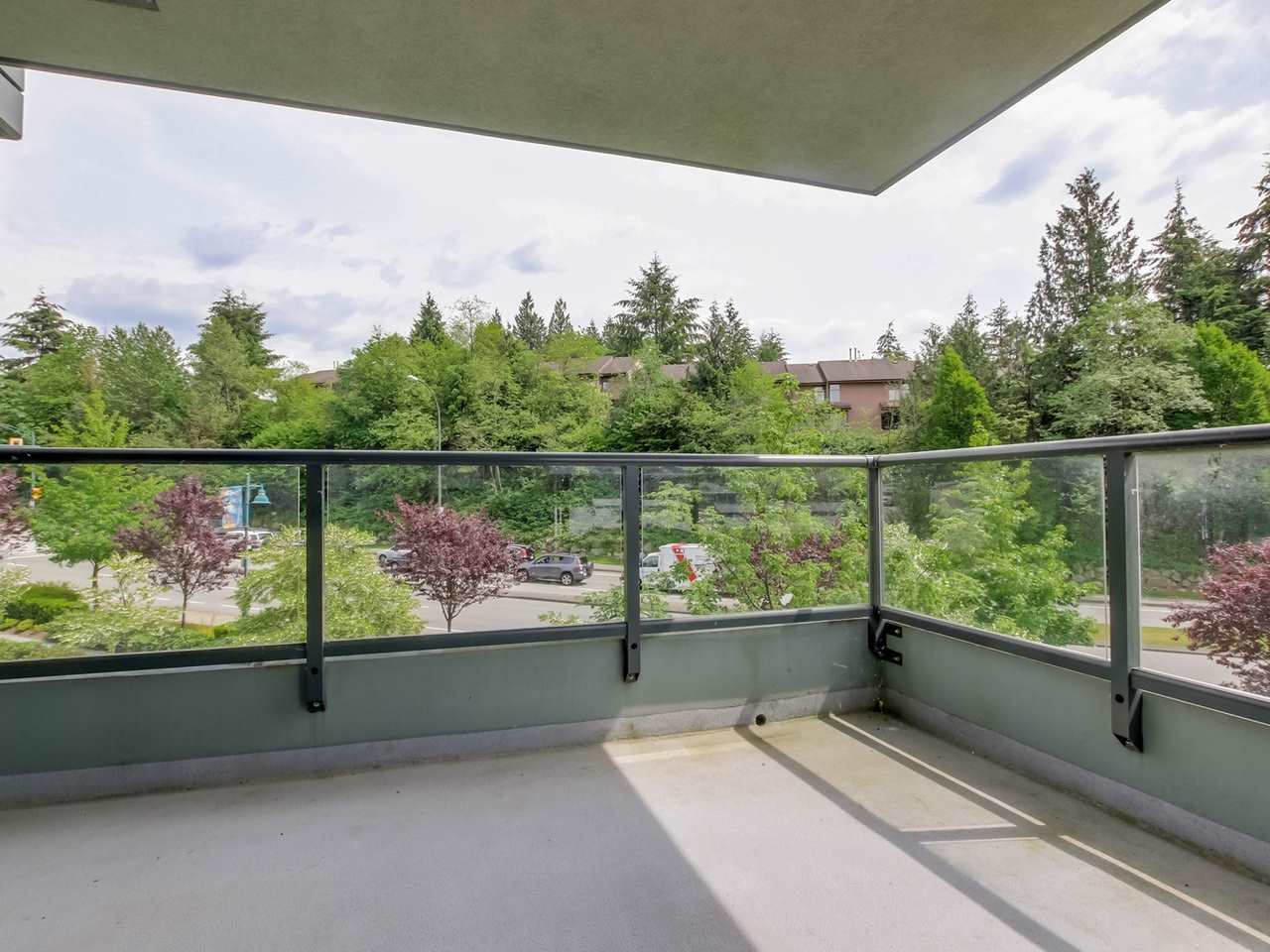 Photo 8: 203 288 UNGLESS WAY in Port Moody: Port Moody Centre Condo for sale : MLS(r) # R2071333