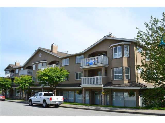 Photo 2: 207 5711 MERMAID STREET in Sechelt: Sechelt District Condo for sale (Sunshine Coast)  : MLS® # R2104837