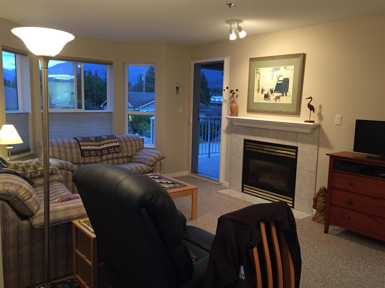 Photo 4: 207 5711 MERMAID STREET in Sechelt: Sechelt District Condo for sale (Sunshine Coast)  : MLS® # R2104837