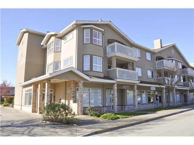 Photo 1: 207 5711 MERMAID STREET in Sechelt: Sechelt District Condo for sale (Sunshine Coast)  : MLS® # R2104837